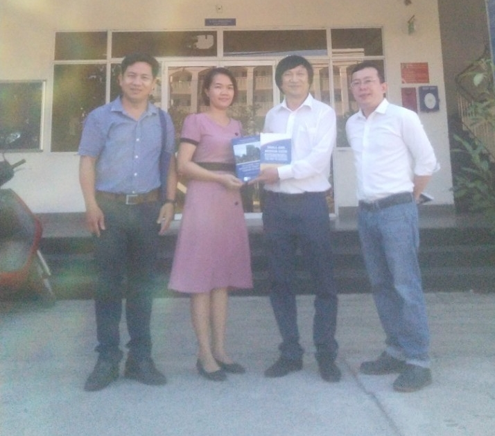 A VISIT TO THE LIBRARY OF THE UNIVERSITY OF DA NANG - UNIVERSITY OF ECONOMICS (DUE)